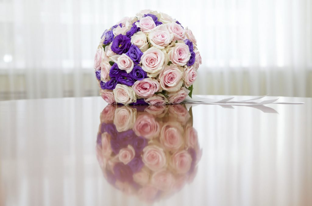 Choose Best Wedding Throw Bouquet for Your Wedding BusinessWeddings.com