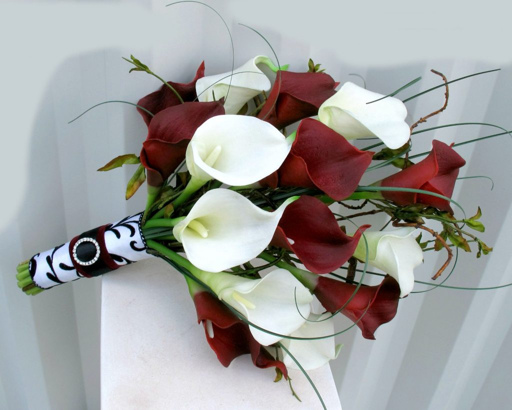 Ideas for You to Choose Lilies Wedding Bouquet (33)