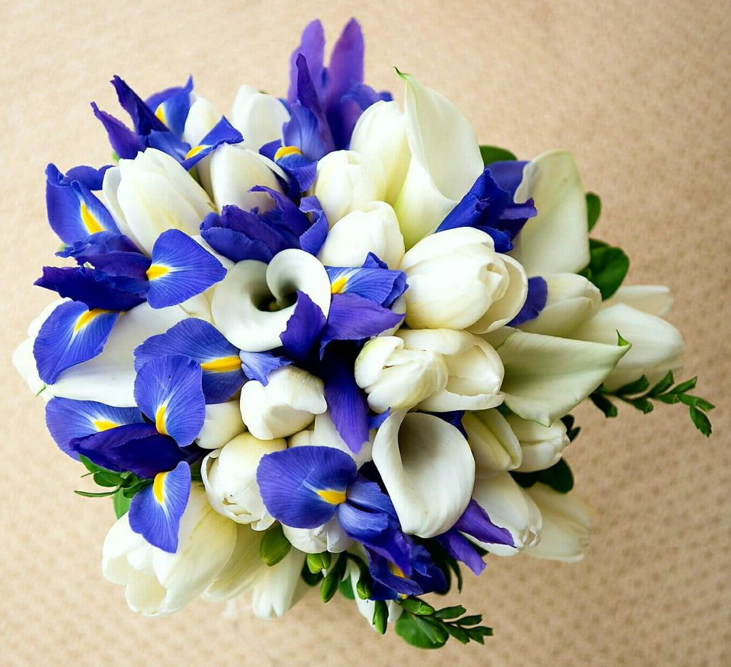 Ideas to Choose Iris Wedding Bouquet for Your Wedding 2