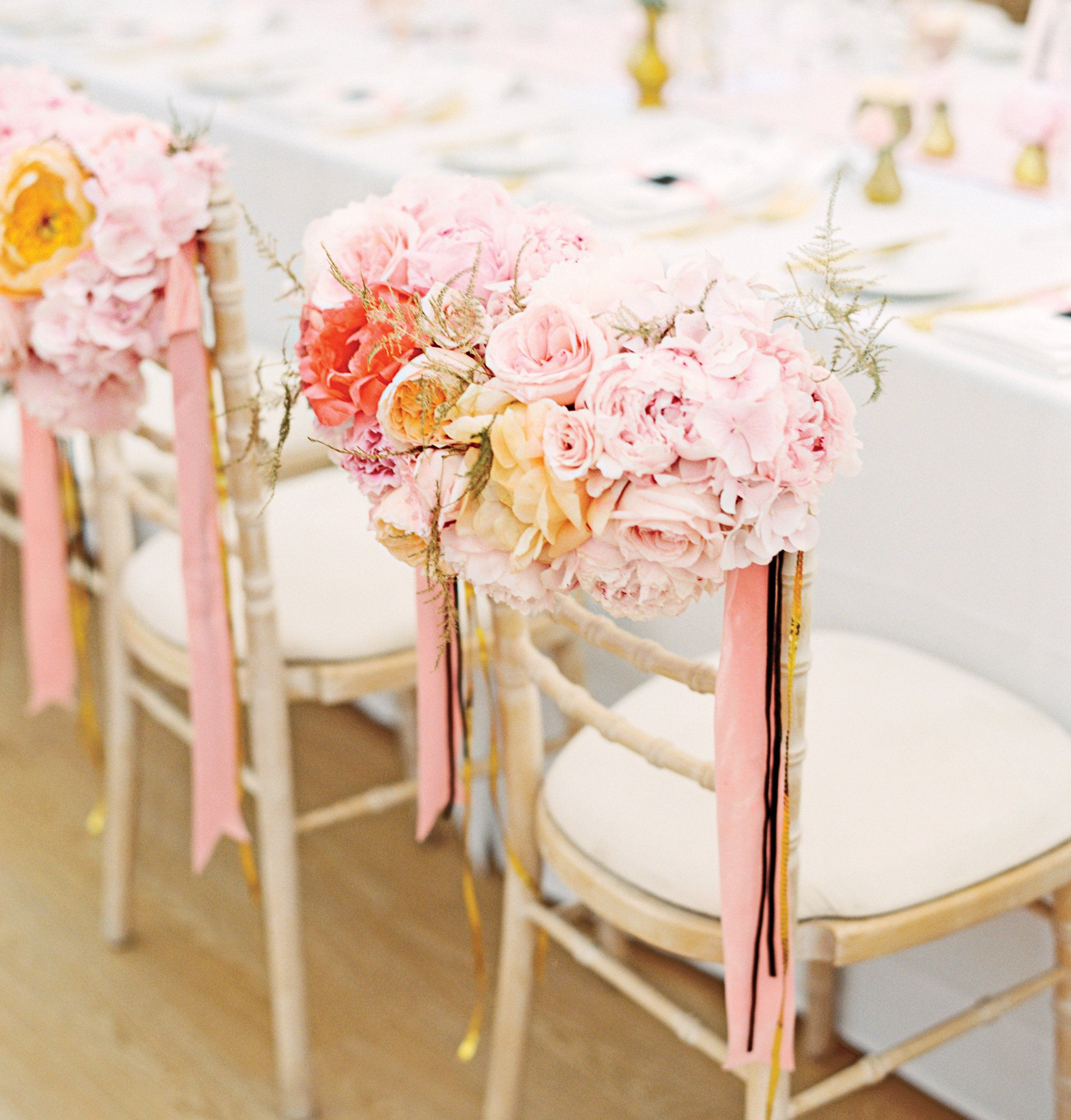 Ideas for You to Choose the Best Wedding Chair Flowers