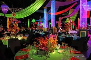 Neon Weddings: Brighten Up Creatively!
