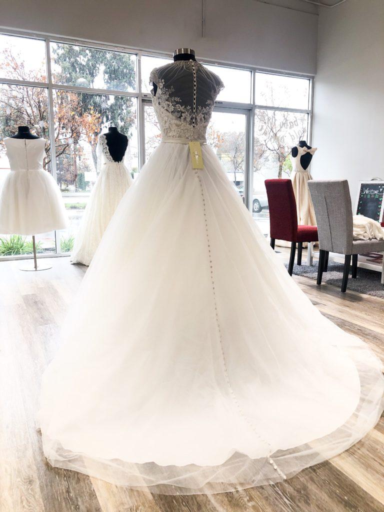 Buy off the Rack Wedding Dress