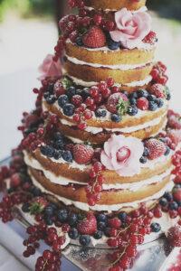 Sponge Wedding Cakes and Pound Wedding Cakes